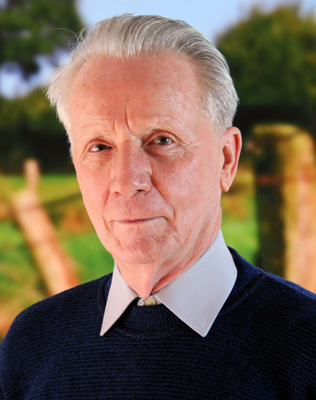 Dr. Dietrich Kleinau